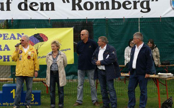 Norbert begrüßt die DMFV-Vorstands-Mitglieder...