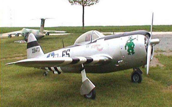 Das 28kg schwere Modell einer P47 Thunderbolt