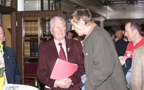 Norbert Kern und Hans Stendel im Pausengespräch