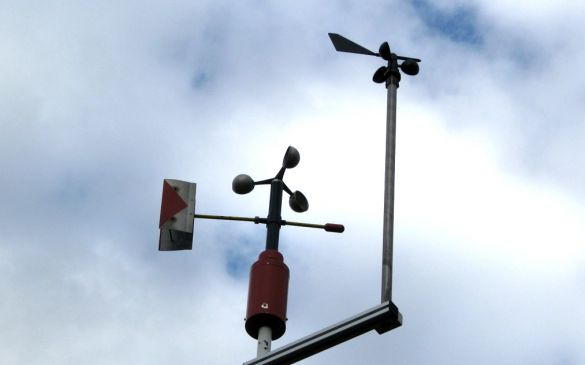 Windmesser, oben der Peet Bros, unten unser Museumsstück